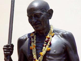 gandhi-statue-in-misisipi-delta