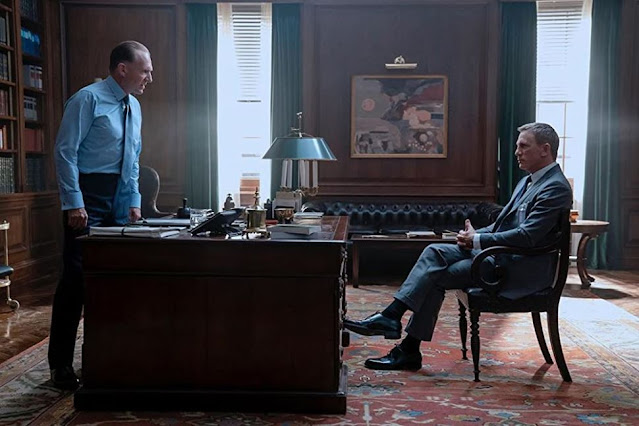 Ralph Fiennes y Daniel Craig. Fotograma de MGM.