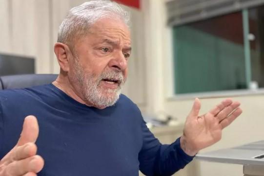 Lula diz não saber por que as pessoas se preocupam com a regulamentação da imprensa