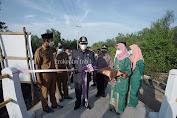 Bupati HM Wardan di Beri Kehormatan Resmikan Jembatan Dusun Sungai Prepat Pulau Burung