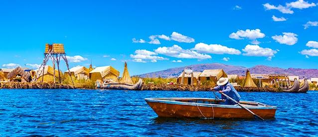 islas dentro del lago titicaca