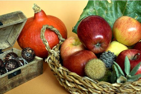 Usadas em rituais ciganos, as frutas são capazes de atrair energias positivas para nossa vida