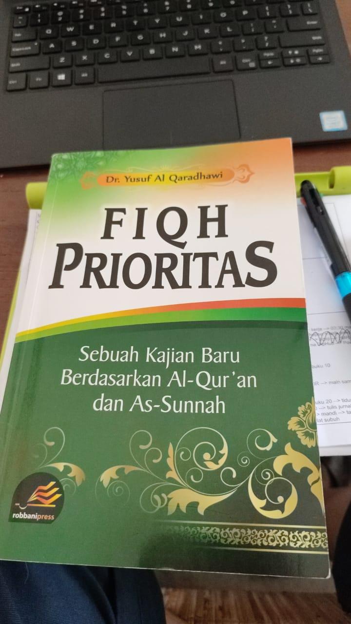 buku Fiqh Prioritas - Dr. Yusuf Al Qaradhawi - Robbani Press
