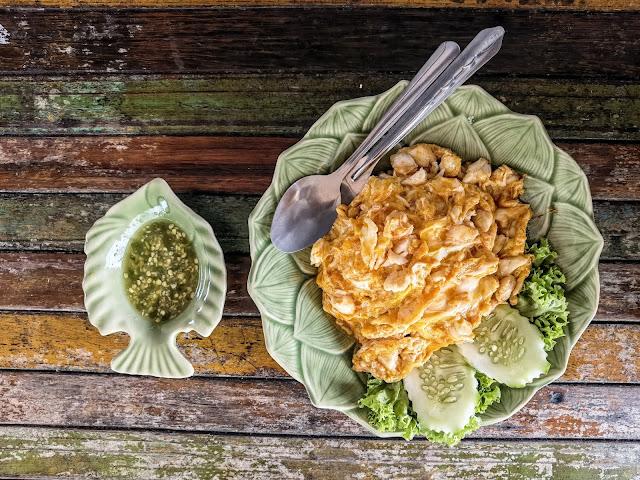 Thai_Crab_Omelette_Singapore