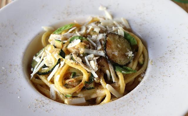 Espaguetis a la Nerano restaurante Belmondo