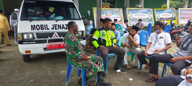 Koramil 01/Ranai Bersama Anggota Melayat ke Rumah Duka Atas Meninggalnya Syarfi Hendra