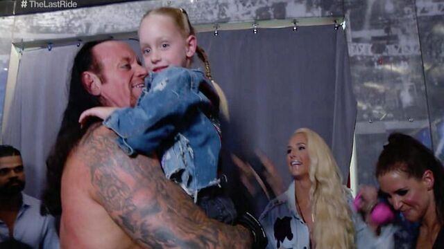 أندرتيكر يتحدث عن احتمال انضمام ابنته كايا إلى WWE