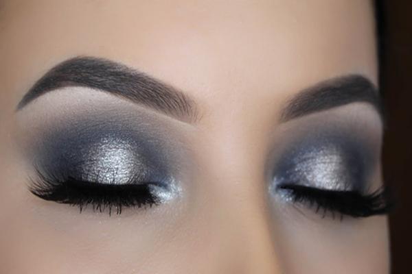 Black And Silver Smokey Eye