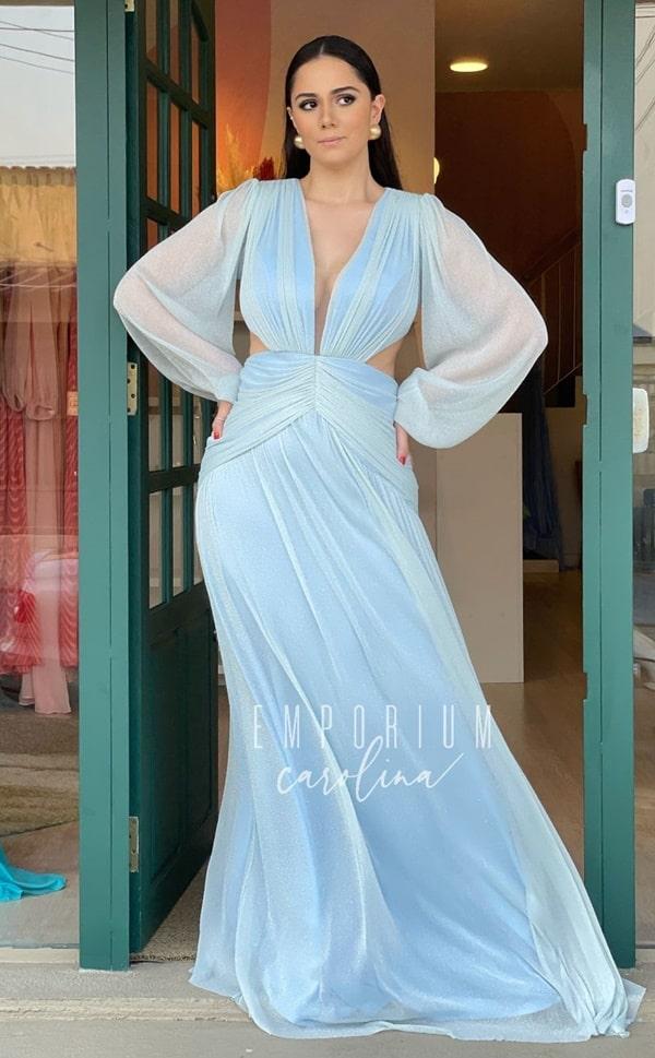 vestido longo azul serenity com brilho no tecido para madrinha de casamento