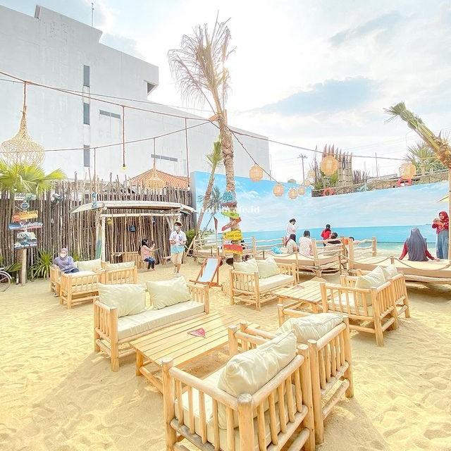 Beach Day Resto Semarang Jawa Tengah