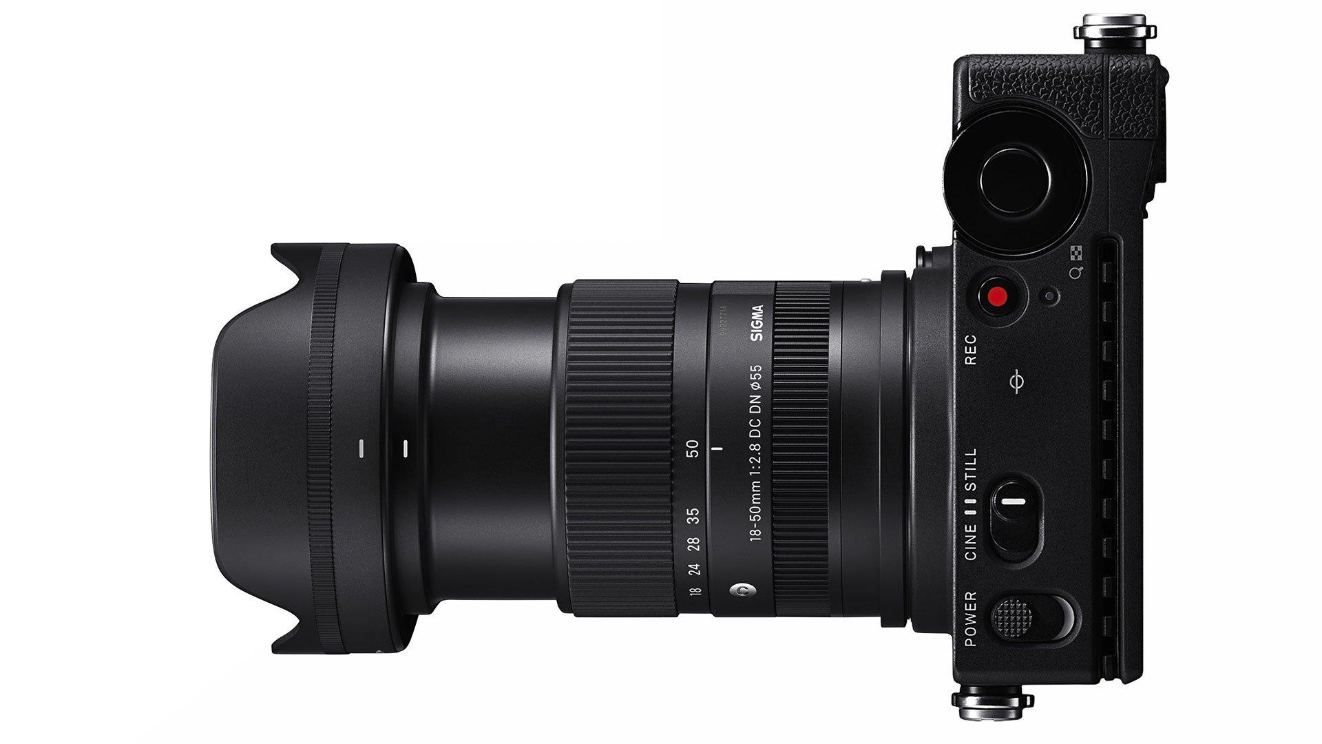Объектив Sigma 18-50mm f/2.8 DC DN с камерой Sigma fp L