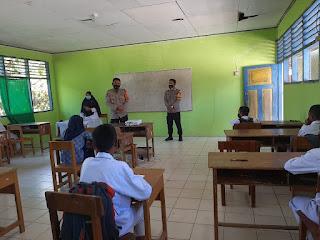 Kapolsek Curio Pantau Penerapan Prokes Saat Pembelajaran Tatap Muka Berlangsung Di MTs Guppi Lamba