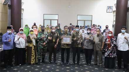 Pemko Padang Raih Anugerah Parahita Ekapraya 2020 Tingkat Madya