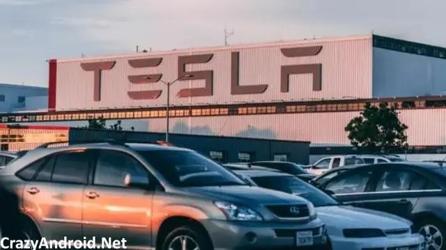 بسبب تعصب موظفيها ، ستدفع تسلا Tesla 137 مليون دولار لموظف سابق!