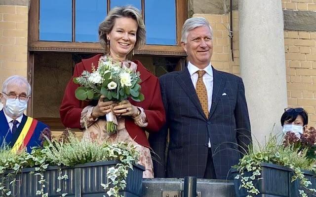 Queen Mathilde wore a floral print dress from Zimmermann. Mathilde wore a print dress from Etro. Natan floral dress