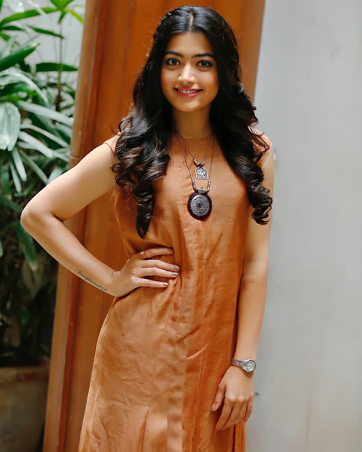 Actress Rashmika Mandanna Latest Cute Photos Navel Queens
