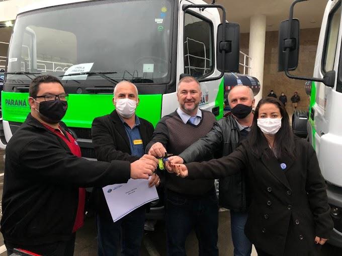 Bacil entrega caminhão pipa zero km para o município de Paula Freitas