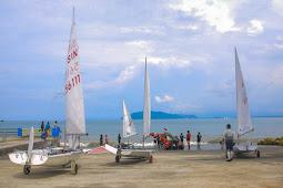 Fasya Aldiansyah dan Aldo Rizki Sulkarnaen, Atlet Pelayar Papua Pimpin Lomba Hari Pertama