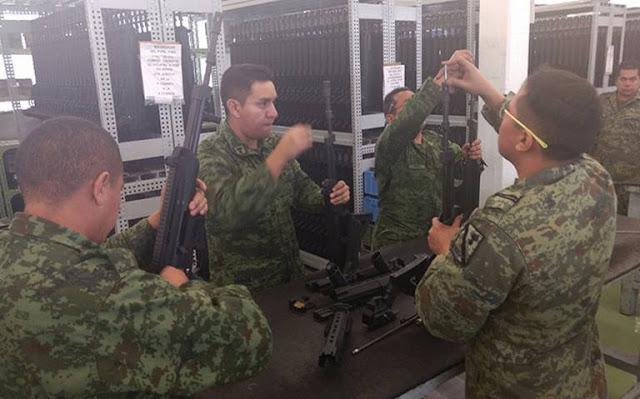 Militares se descuidan y les roban Fusil de asalto FX en puesto de control a Región Militar