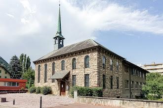 Ailleurs : Chapelle protestante de Martigny, collection remarquable de vitraux signés Hans Erni, hommage émouvant à Annette Gianadda - Suisse