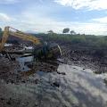 DPRK Langsa Tinjau Excavator Milik Pemko yang Tenggelam di Aceh Timur
