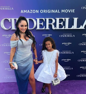 Nia Guzman with her daughter Royalty