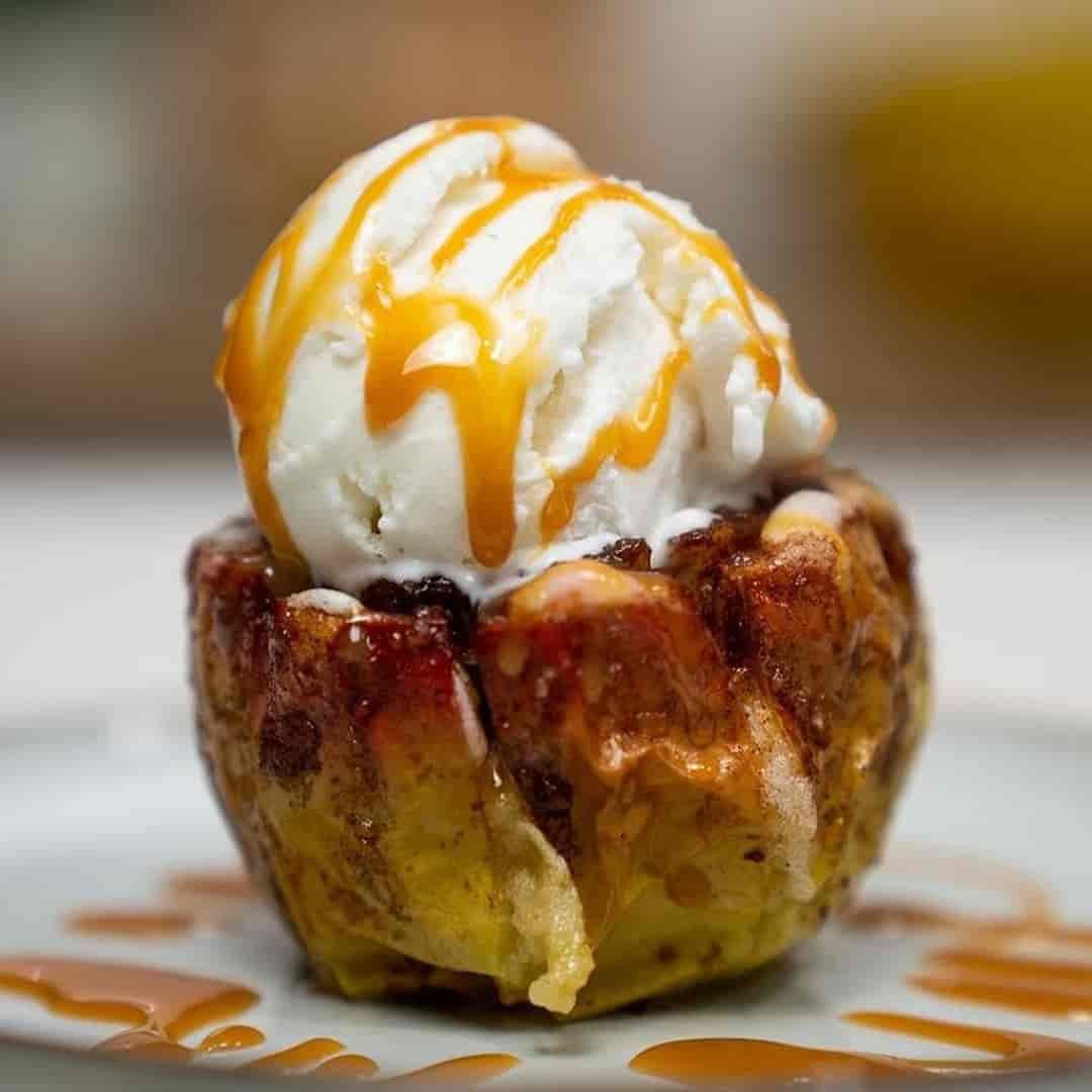 Baked apple flowers with ice cream