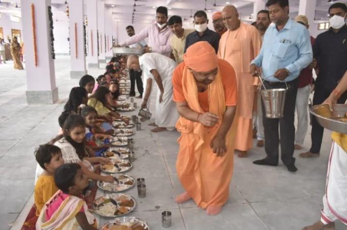 गोरखपुर में बोले सीएम योगी कमजोर नहीं, हर क्षेत्र में नेतृत्व व समाज का मार्गदर्शन कर सकती है मातृ शक्ति