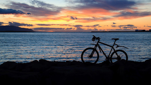 Bicycle, sea, twilight wallpaper