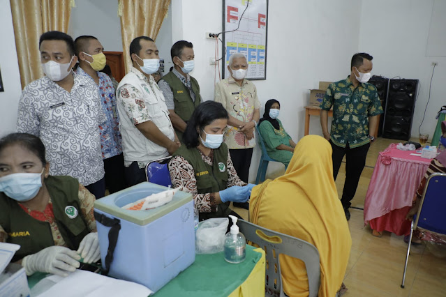 Bupati Asahan Meninjau Pelaksanaan Vaksinasi Covid-19 di Beberapa UPTD Puskesmas