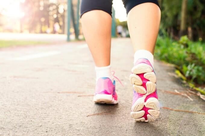Nên đi bộ 15000 bước mỗi ngày đảm bảo bạ sẽ có một sức khỏe kiên cường.