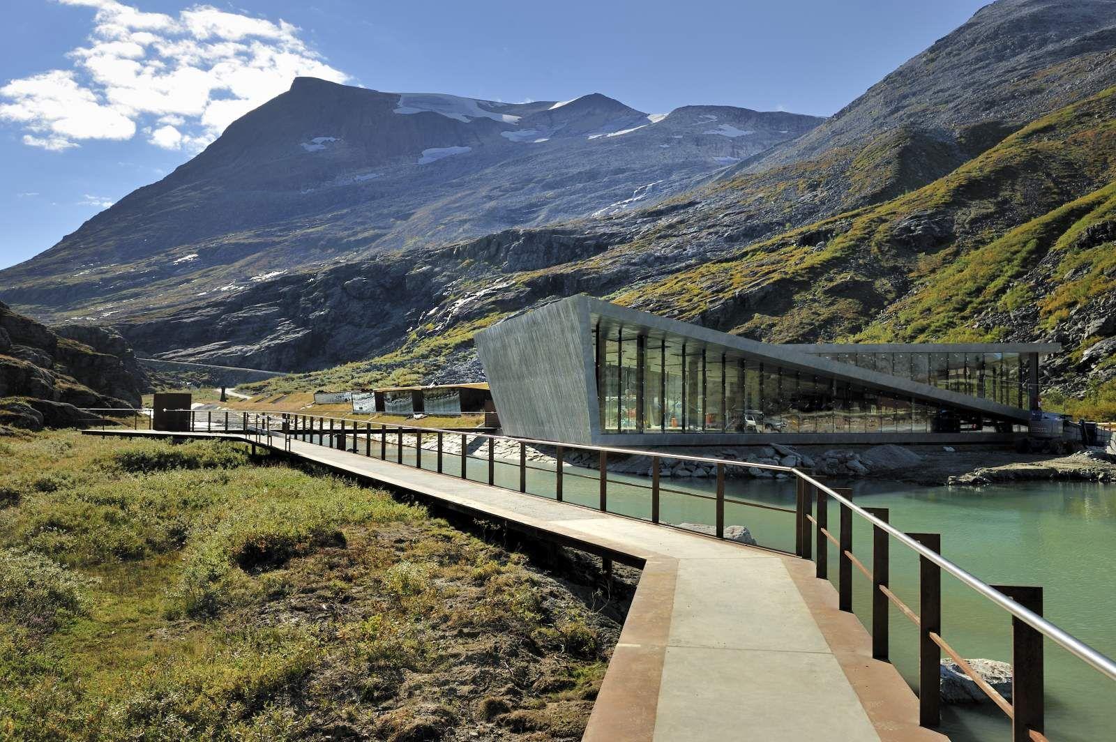 туристический центр Trollstigen, Долины Норвегии. Ромсдал