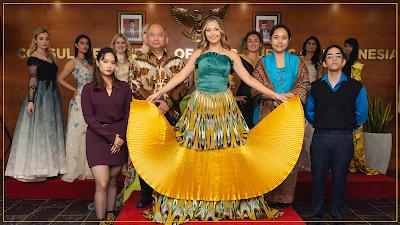 Batik Berpotensi Tergerus Zaman, KJRI Toronto Gelar Batik Fashion Show
