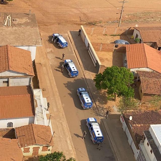 VIDEO: 46ª CIPM e GRAER fazem operação ostensiva com uso de helicóptero em Livramento de Nossa Senhora