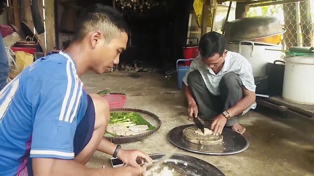 Món Gỏi Kiến Vàng - Kon Tum