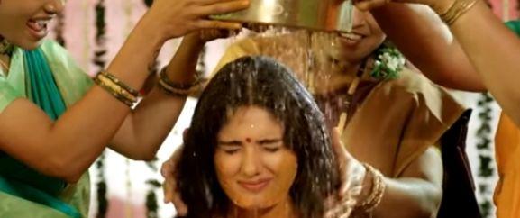 Pushpaka Vimanam Movie Download in Hindi Filmyzilla