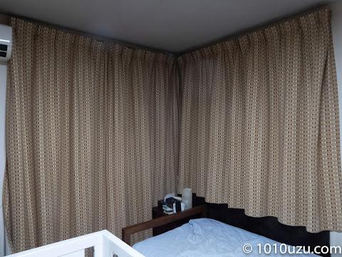 腰高窓も窓下60 cmほど長くしたためほとんど光が漏れてこない