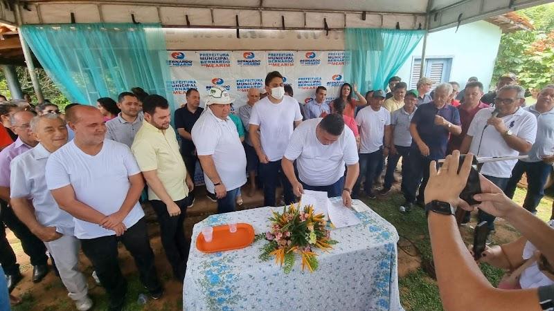 Prefeito Junior Xavier assina ordem de serviço para asfaltamento na estrada e reforma do Posto de Saúde do Povoado Morada Nova