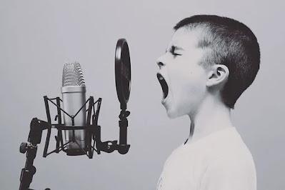 Cara Mengatasi Anak Cengeng dan Keras Kepala karena Manja
