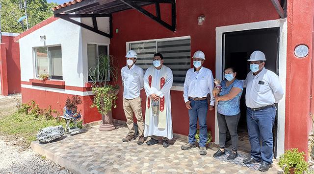 Grupo Azucarero del Trópico entrega casas a colaboradores en el Ingenio La Joya, Campeche