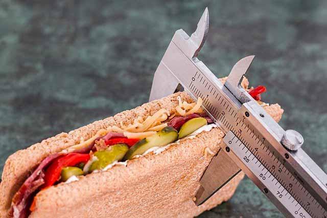 كم من الوقت أحتاج لإنقاص وزني والعوامل المؤثرة في إنقاص الوزن