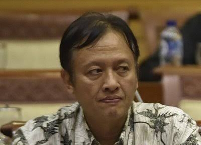 Sering Ngetwits Unfaedah, Profesor Rasa BuzzeRp Kena Smackdown Warganet