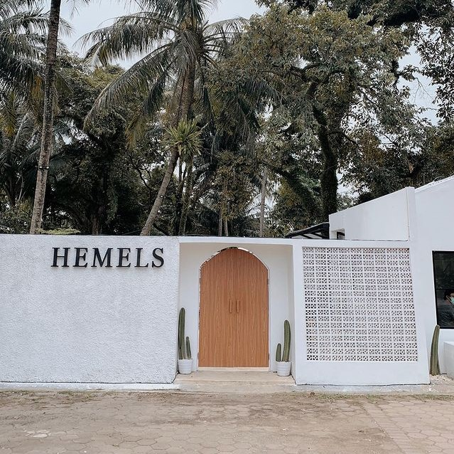 Hemels Coffee & Chill Babakan Bogor