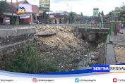 Hujan Deras, Tembok Penyangga Jalan Di Lamongan Ambrol