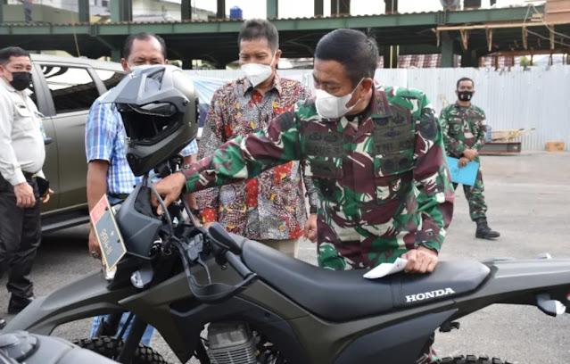 Perkuat Satgas Binter TNI AD, SKK Migas – SKK Sumbagsel Serahkan Kendaraan Operasional