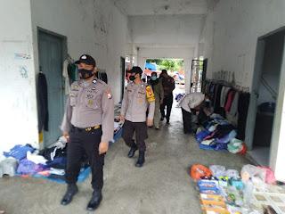 Polsek Maiwa Polres Enrekang Gencar Laksanakan Penegakan Disiplin Protokol Kesehatan Di Pasar Maroangin