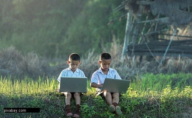 Tips Mengelola Keuangan untuk Biaya Pendidikan Sekolah Anak