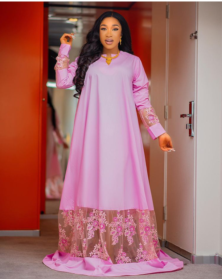 """Actress Tonto Dikeh steps out in an adorable outfit, calls herself """"Oba"""""""