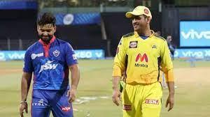 दिल्ली कैपिटल्स और चेन्नई सुपर किंग्स की टीम अबतक आईपीएल के इतिहास में 25 बार एक दूसरे के सामने मैदान पर उतरी हैं। इस दौरान धोनी के शूरवीरों ने 15 बार दिल्ली को धूल चटाई है, जबकि 10 मैचों में दिल्ली ने जीत हासिल की है। यानी ओवरऑल रिकॉर्ड की माने तो माही की टीम फाइनल में पहुंचते हुई दिखाई दे रही है। हालांकि, दिल्ली कैपिटल्स ने इस सीजन अपने पहले ही मैच में चेन्नई सुपर किंग्स की टीम को 7 विकेट से हार का स्वाद चखाया था, जबकि दूसरी भिड़ंत में ऋषभ पंत के गेंदबाजों ने दिल्ली को 3 विकेट से जीत दिलाई थी। लेकिन, चेन्नई के पास प्लेऑफ में खेलने का अच्छा खास अनुभव मौजूद है और वह सिर्फ एक बार ही अंतिम चार में अपनी जगह बनाने से चूकी है।