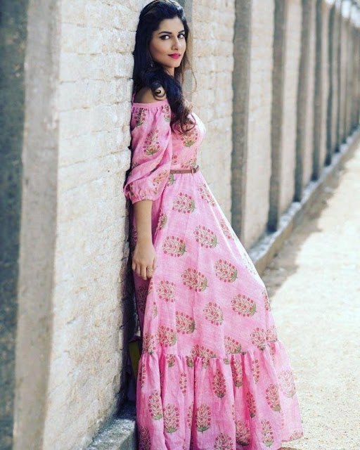 Actress Vishnu Priya New Photoshoot Pictures Navel Queens
